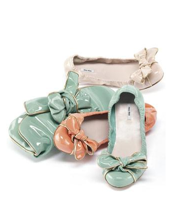 Catch of the day: Pastel ballerina's and clutches
