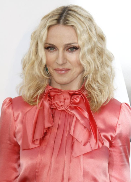 Madonna to launch apparel-line?