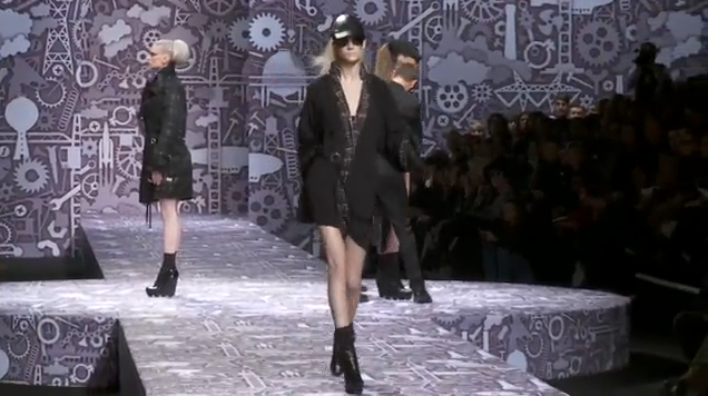 Video: Viktor & Rolf A/W '10-'11 show @ Paris Fashion Week