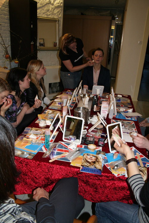 DIY: Rimmel@Home make-up party with friends