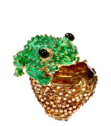 Catch of the day: frog ring