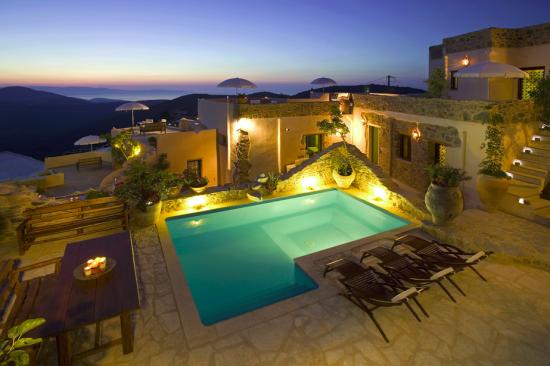 A digitalistic getaway: Design Hotel Cressa Ghitonia