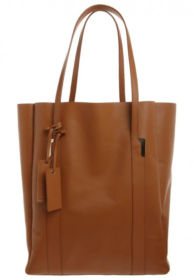 Catch of the Day: Camel Tote