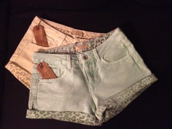 Giveaway: Guess shorts