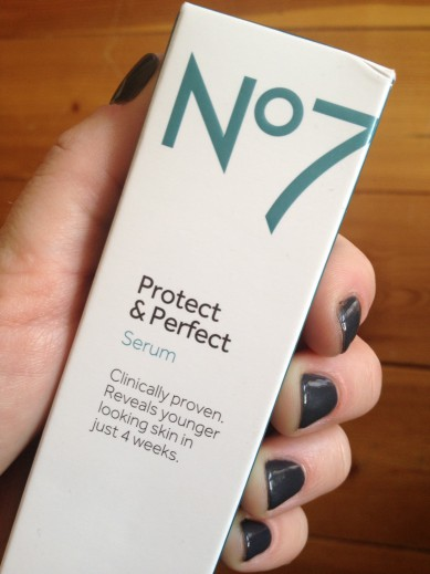 Boots No 7 Protect & Perfect