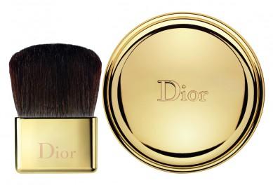 Diorific Perfumed Illuminating Powder Packshot