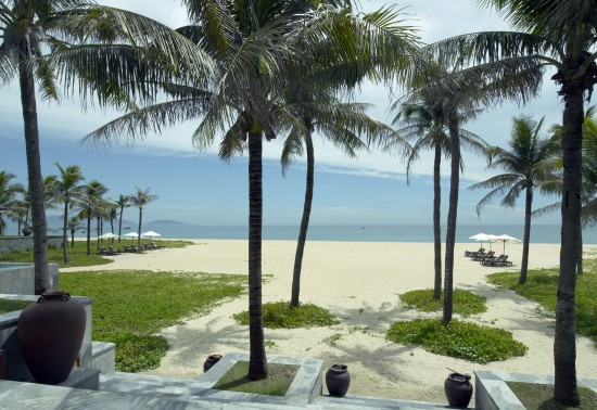 The Nam Hai Beach4