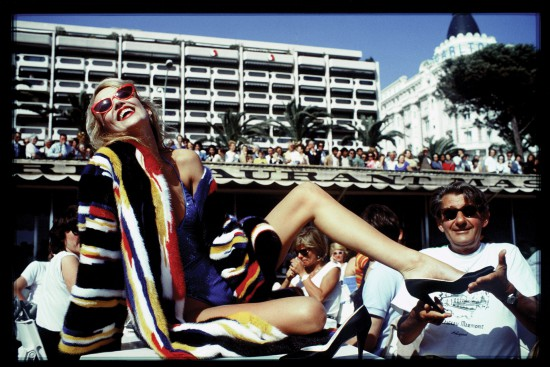 jerry-hall-and-helmut-newton-cannes-by-david-bailey-1983-photo-david-bailey