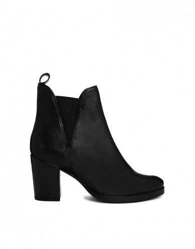 Best Budget Buy: Asos Black Chelsea Boots
