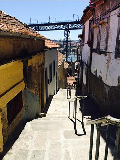 Porto_hotspot_riberia_stairs