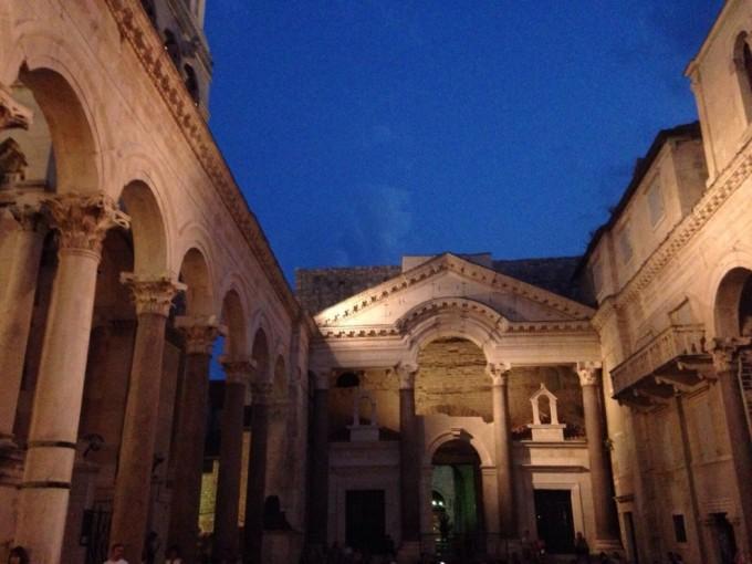 Split_palace1