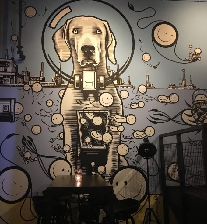 Mural hond